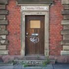 Was schreibe ich bloß über die Tür – Eingang Verboten oder Verbotener Eingang (Aus der Serie: Cool abhängen im alten Schlachthof in Karlsruhe)