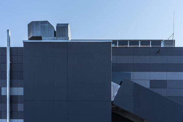 Revisited: Hoch in den zweiten Stock, dann die erste Tür rechts (Aus der Serie: Cool abhängen im alten Schlachthof in Karlsruhe)